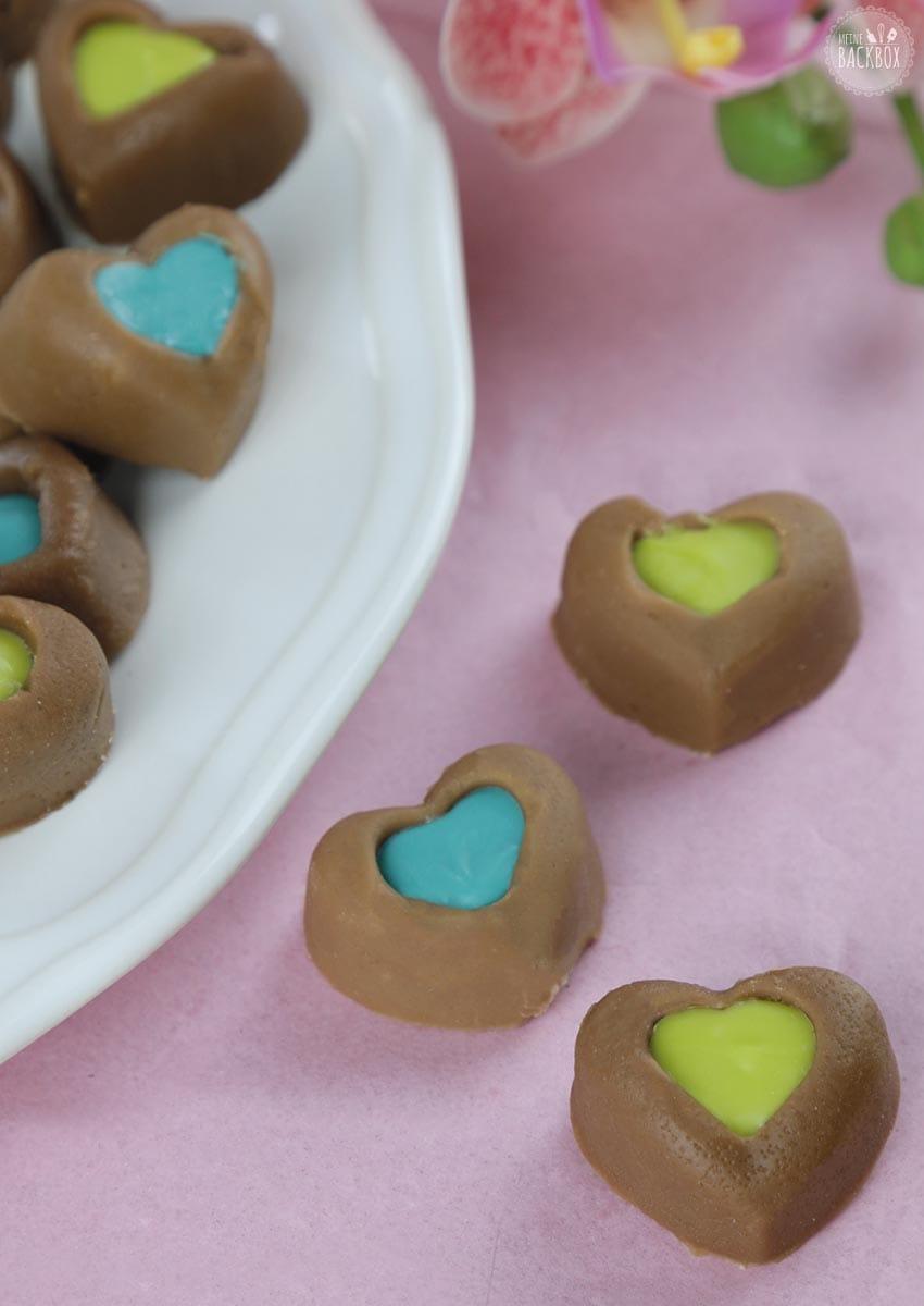 Schokoladen Fudge mit bunter Füllung