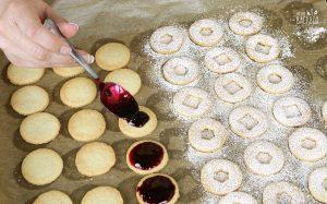Linzer Plätzchen Rezept: Marmelade auftragen