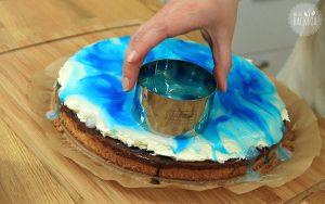 Donauwellen Rezept: Mit Dessertring Kreise ausstechen