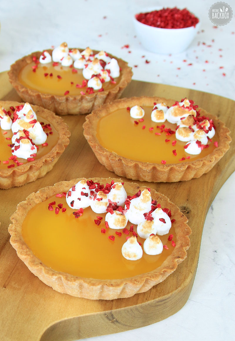Lemon Tartelettes mit Baiser und Himbeeren