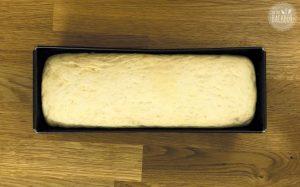 French Toast Auflauf Rezept: Toastbrot Teig in Kastenform aufgehen lassen