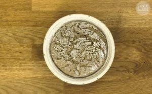 Schnelles Roggen Sauerteigbrot Rezept: Teig im Gärkorb aufegegangen