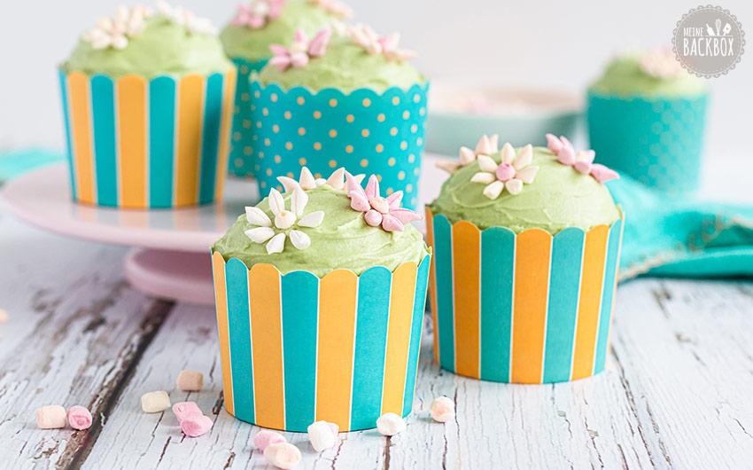Blümchen Cupckas Rezept: Mandelkuchen mit Marshmallows
