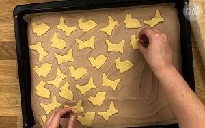 Schweizer Zupfkuchen Rezept: Motive auflegen