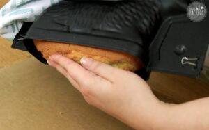 Osterlamm Rezept: Kuchen stürzen