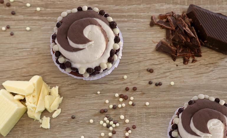 Black White Cupcake