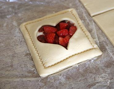 Erdbeer Rhabarber Blitz Blätterteig Anleitung