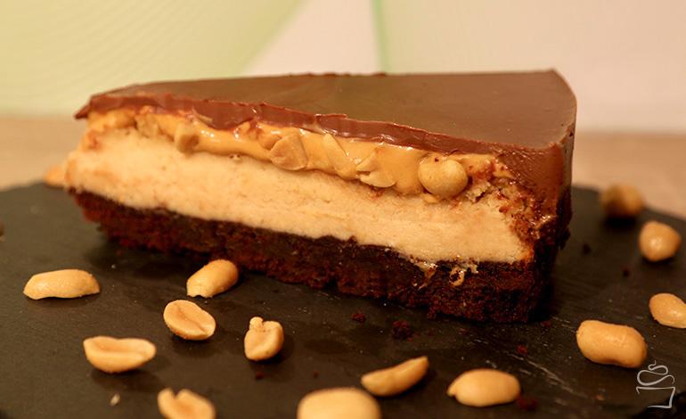 Peanutbutter-Cheesecake mit Karamell und Chocolate-Shortbread