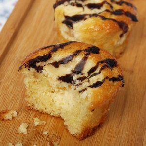 Vanilla Cheesecake Cupcake