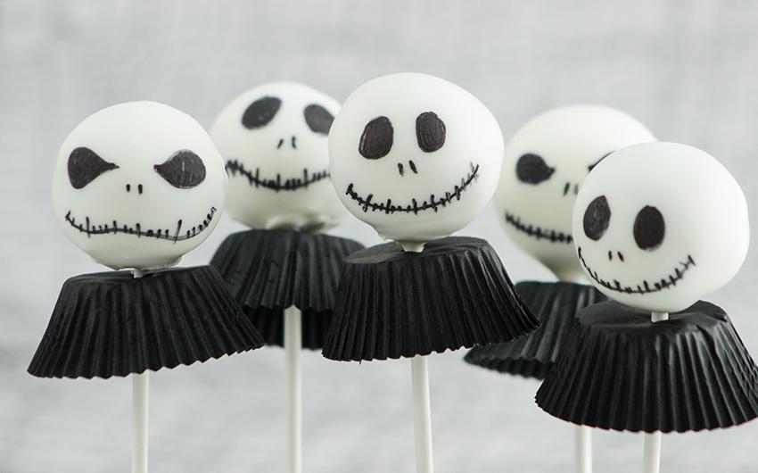 Beste Halloween Rezepte Jack Skellington Cake Pops von Amerikanisch-Kochen